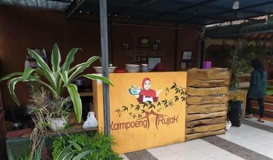 Kampoeng Rujak, Wisata Kuliner yang Hits di Negara Bali