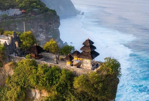 7 Fakta Menarik tentang Pura Luhur Uluwatu Bali